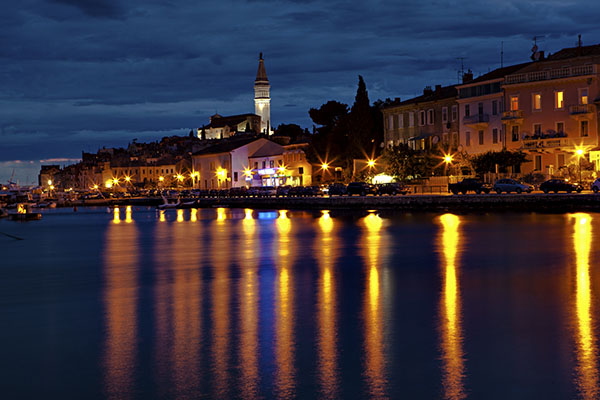rovinj at night