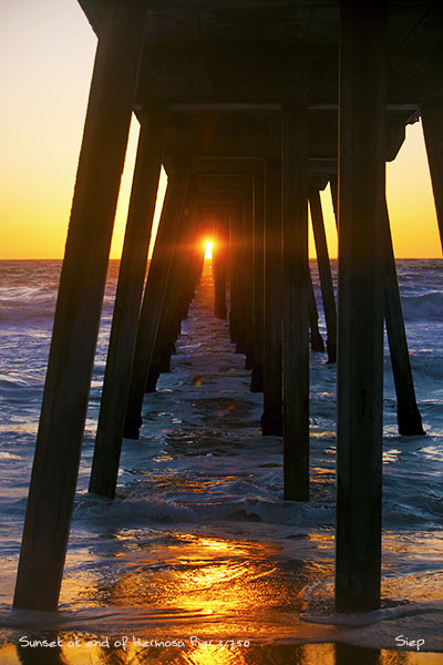 sunset end hermosa pier